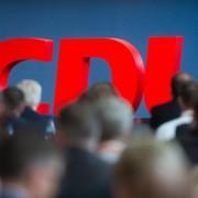 CDU-Logo: Traditionelle Volkparteien haben ausgedient, weil sie die Integration ihrer politischen Ränder aufgeben Foto: picture alliance/dpa