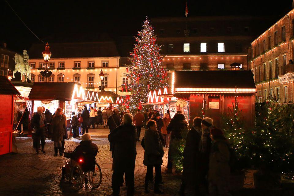Tannenbaum Selber Schlagen Düsseldorf.Düsseldorf Grüne Gegen Weihnachtsbäume Vorm Rathaus Junge Freiheit