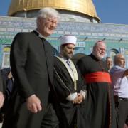 EKD-Ratsvorsitzender Heinrich Bedford-Strohm (links) mit Kardinal Reinhard Marx am Tempelberg Foto: picture alliance / dpa