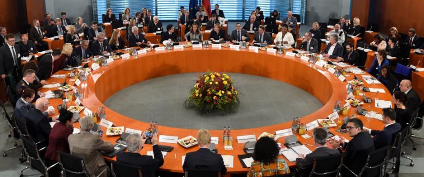 Integrationsgipfel: Einwanderung soll als Staatsziel Grundgesetz Foto: picture alliance / dpa