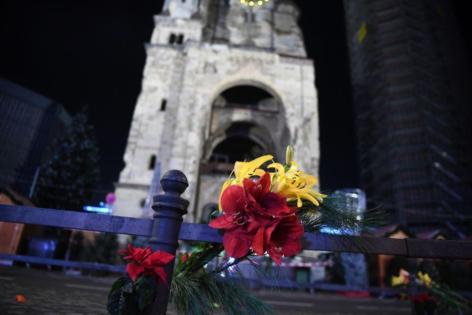 Blumen vor der Gedächtniskirche