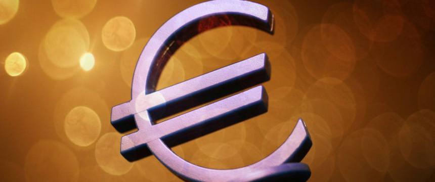 JF: Euro-Symbol: Die Target-Kredite werden den Deutschen teuer zu stehen kommen Foto: picture alliance / blickwinkel/ McPHOTO / C. Ohde