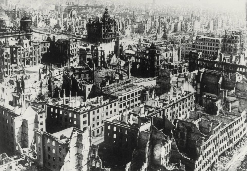 DD 1945