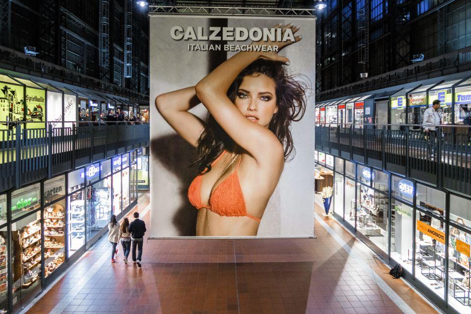 Calzedonia-Plakat