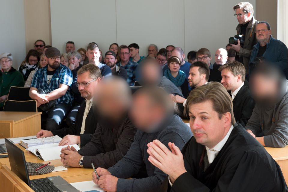 "Angeklagte im ""Fall Arnsdorf"""
