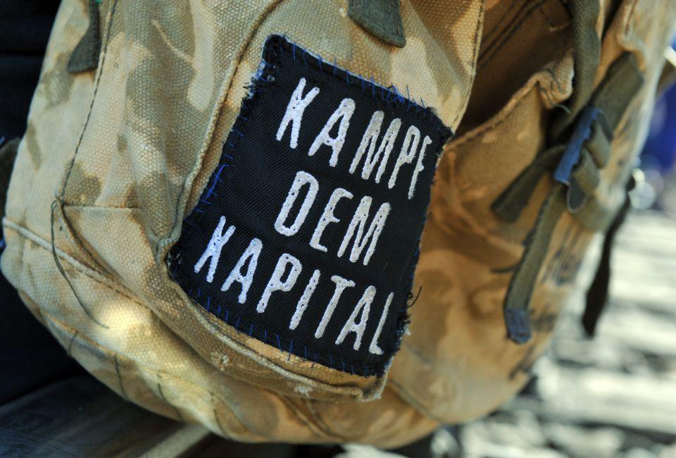 "Linke Parole ""Kampf dem Kapital"""
