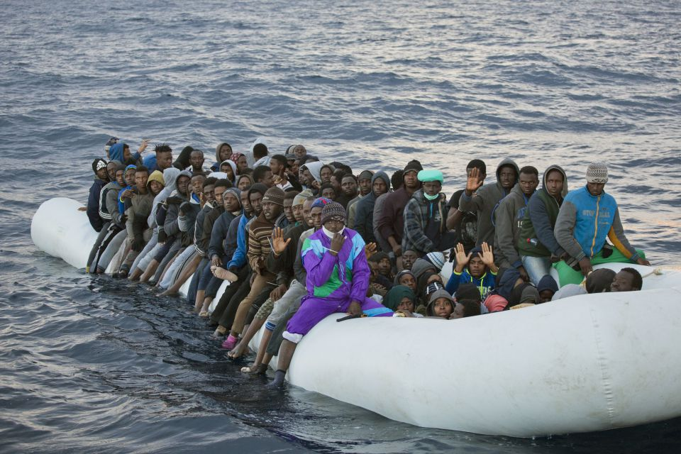 Flüchtlingsboot auf hoher See