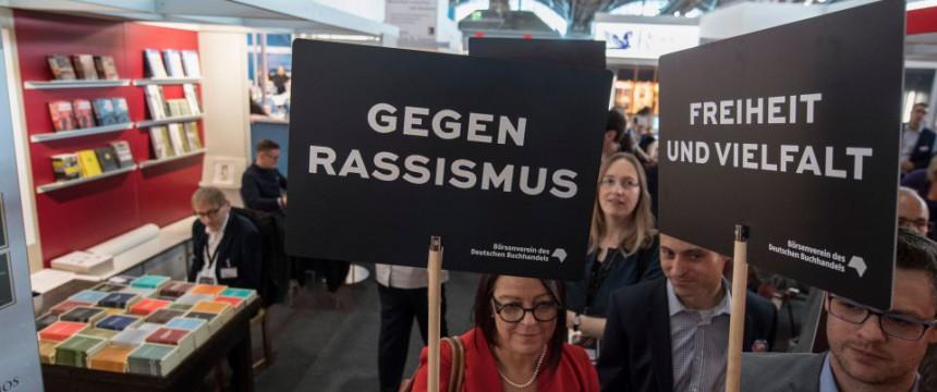 Diskussion um Frankfurter Buchmesse reißt nicht ab