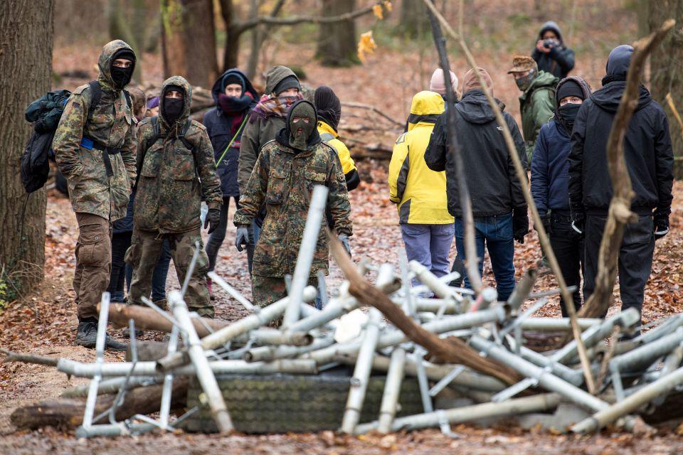 Linksradikale im Hambacher Forst