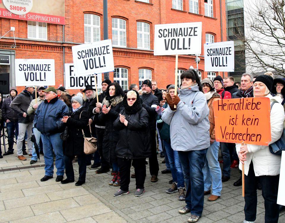 """Demonstration von """"Zukunft Heimat"""""""