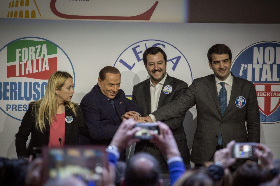 Girogia Meloni (l.), Silvio Berlusconi, Matteo Renzi und Raffaele Fitto