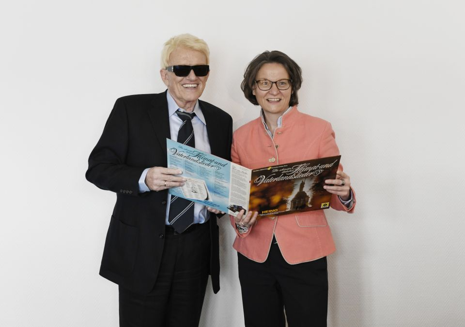 Heino mit Ina Scharrenbach (CDU)