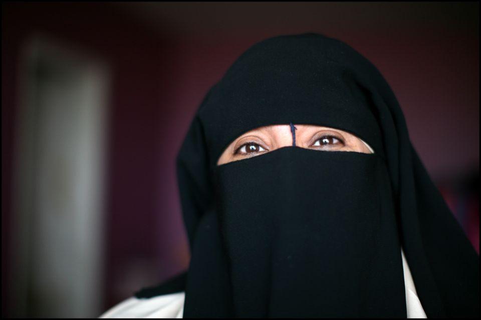 Verschleierte Frau in Frankreich