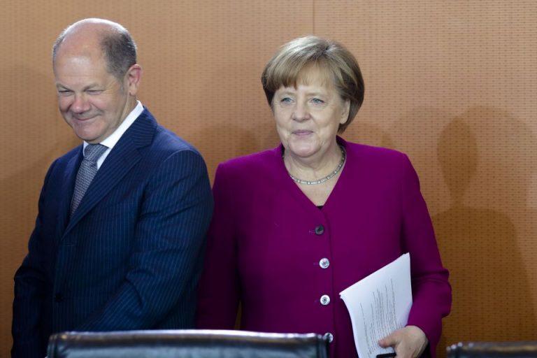 Finanzminister Scholz (SPD) und Bundeskanzlerin Merkel (CDU)