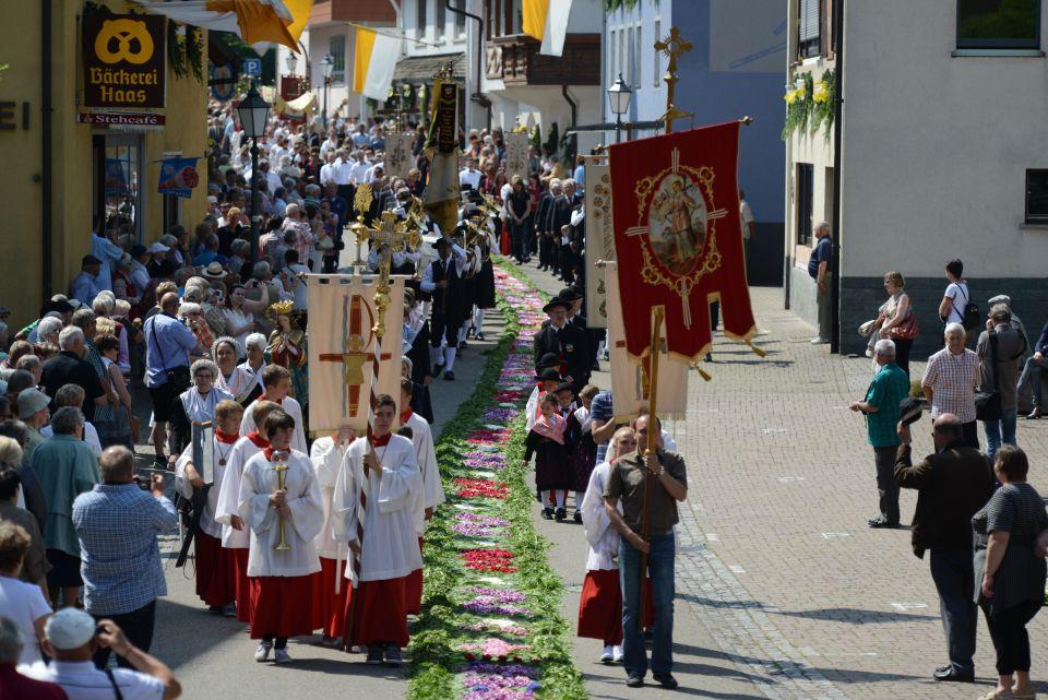 Fronleichnamsprozession  Mühlenbach