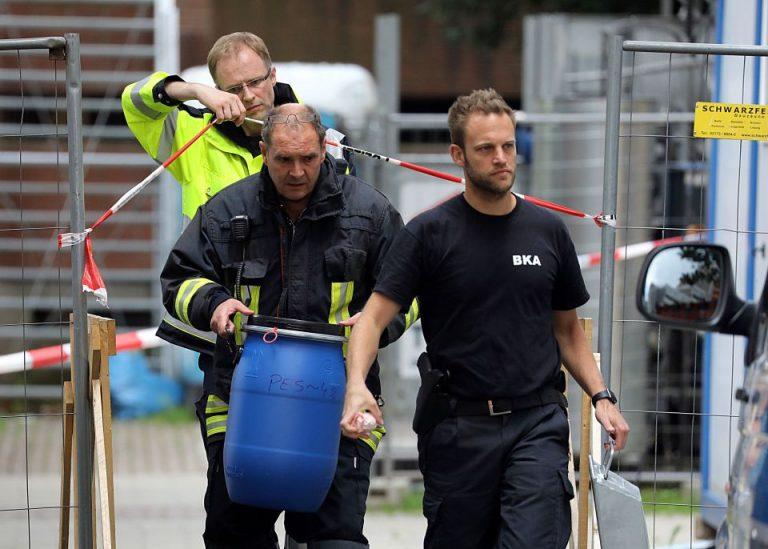 Sicherstellung von Beweismitteln bei Razzia gegen Terrorverdächtigen