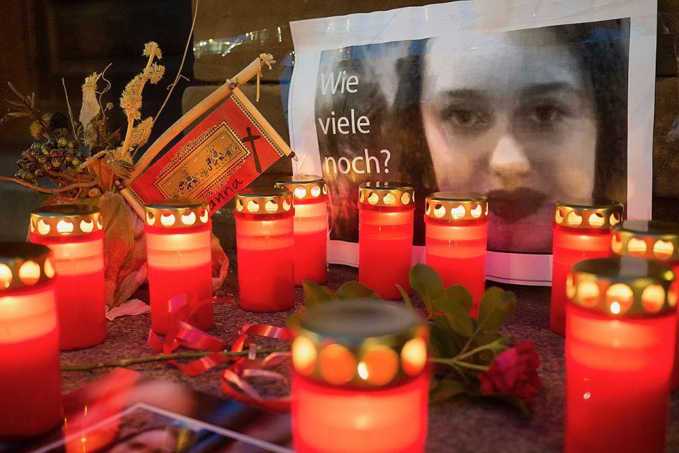 Kerzen vor dem Rathaus Berlin-Pankow