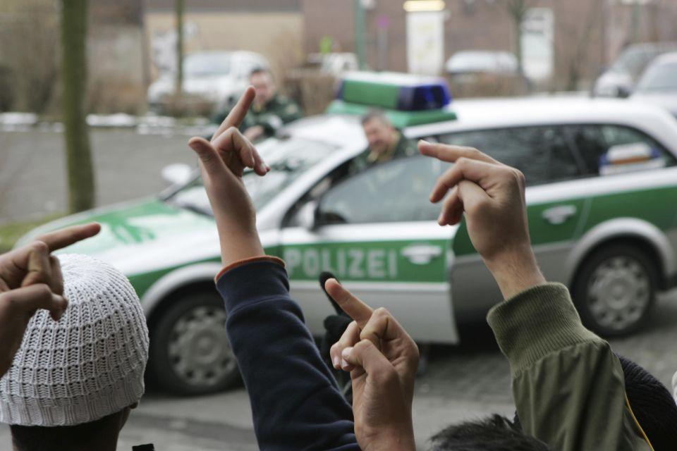 Jugendliche beleidigen Polizei