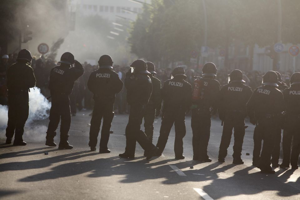 Polizei bei 1.Mai-Demonstration in Berlin