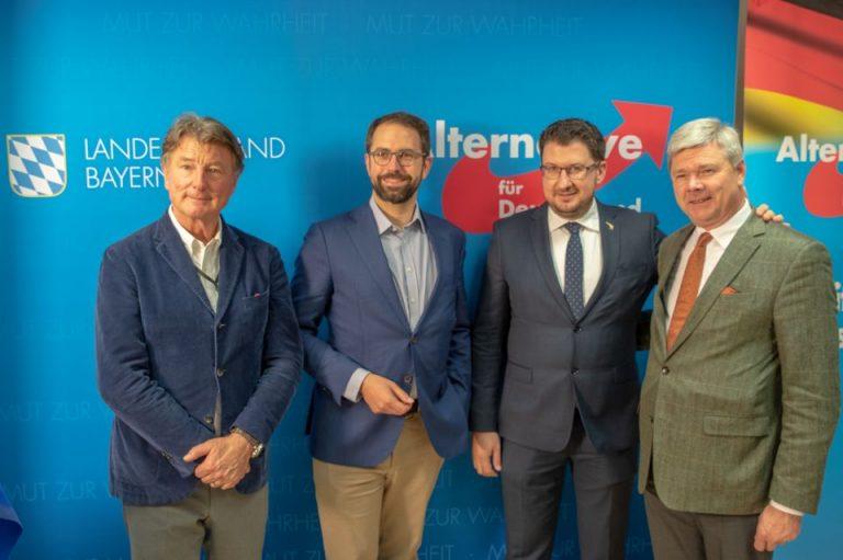 Franz Obermayr (FPÖ), Markus Buchheit (AfD), Marco Tirapelle (Lega) und Dominiek Lootens (Vlaams Belang)