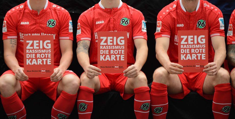 Spieler von Hannover 96 protestieren gegen Rassismus Foto (Archivbild): picture alliance / dpa