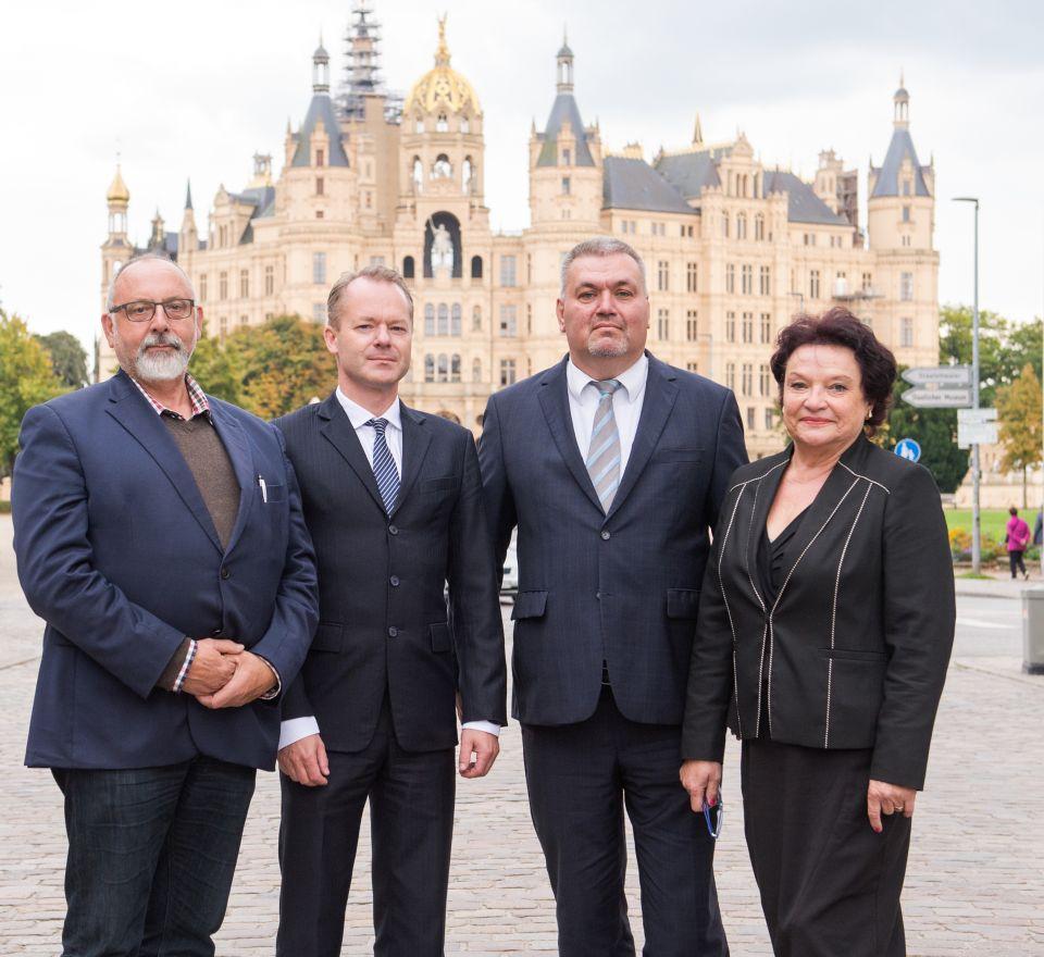 Ralf Borschke (l.-r.), Matthias Manthei, Bernhard Wildt und Christel Weißig