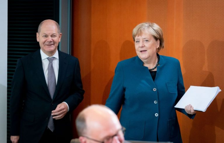 Olaf Scholz (SPD) und Angela Merkel (CDU)