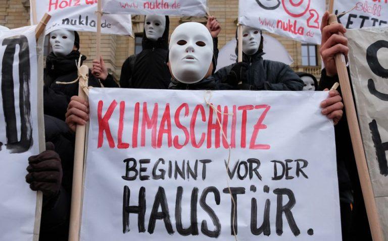 """NuKla""-Demonstranten"