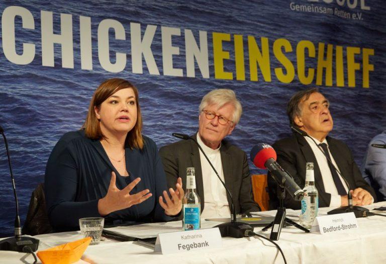 Katharina Fegebank (l.), Heinrich Bedford-Strohm und Palermos Bürgermeister Leoluca Orlando
