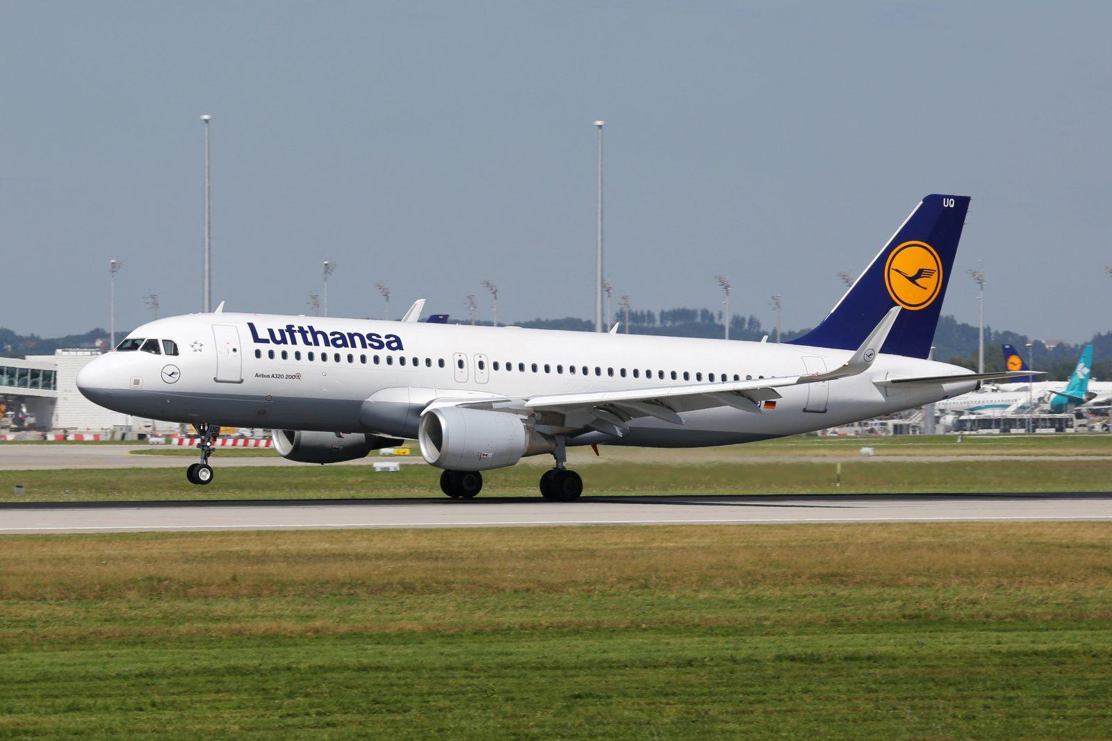 Lufthansa Airbus A320 Flugzeug Flughafen München