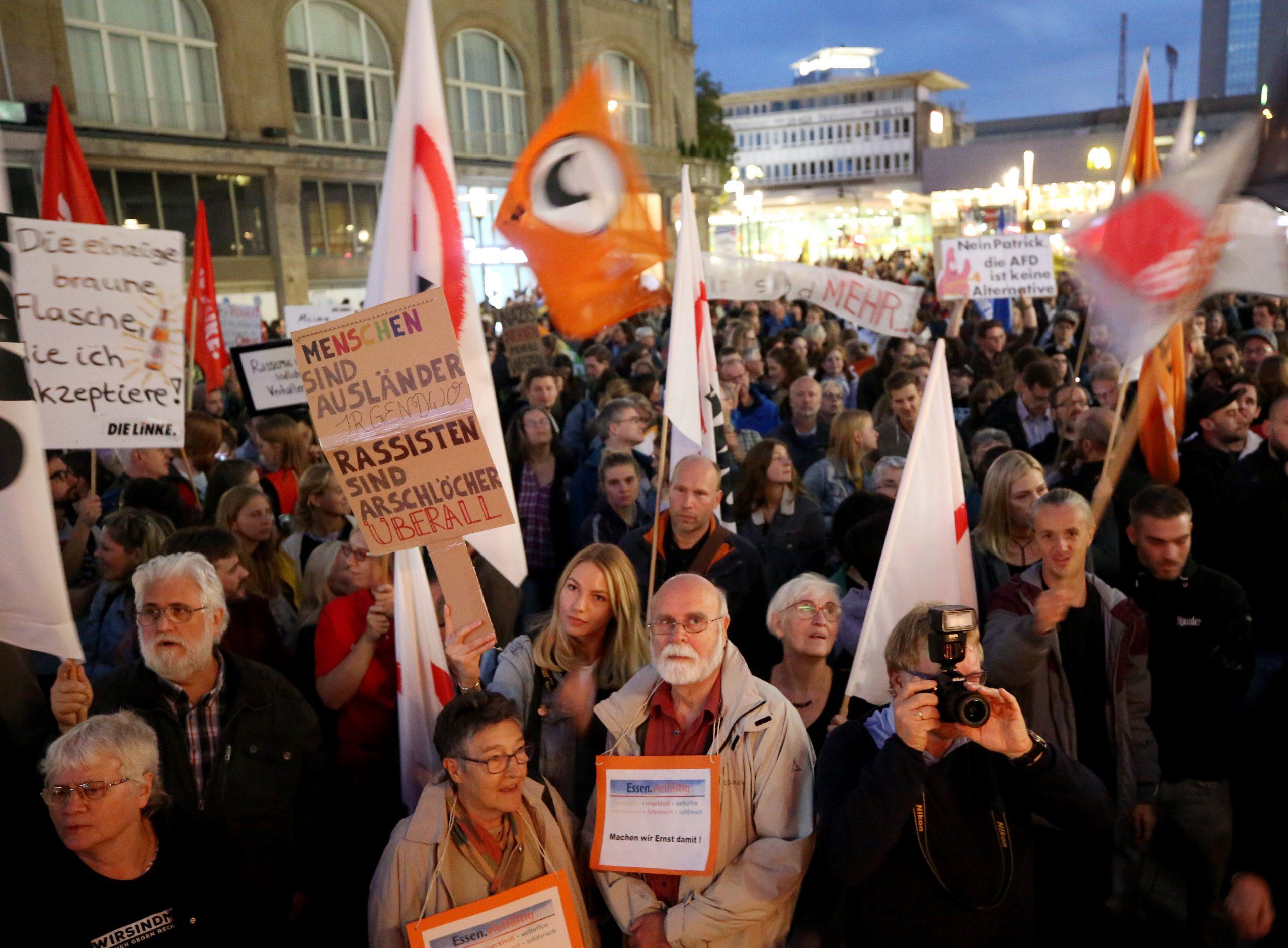 Vorwurf rassistischer Kontrollen: Polizei zeigt linkes Bündnis an