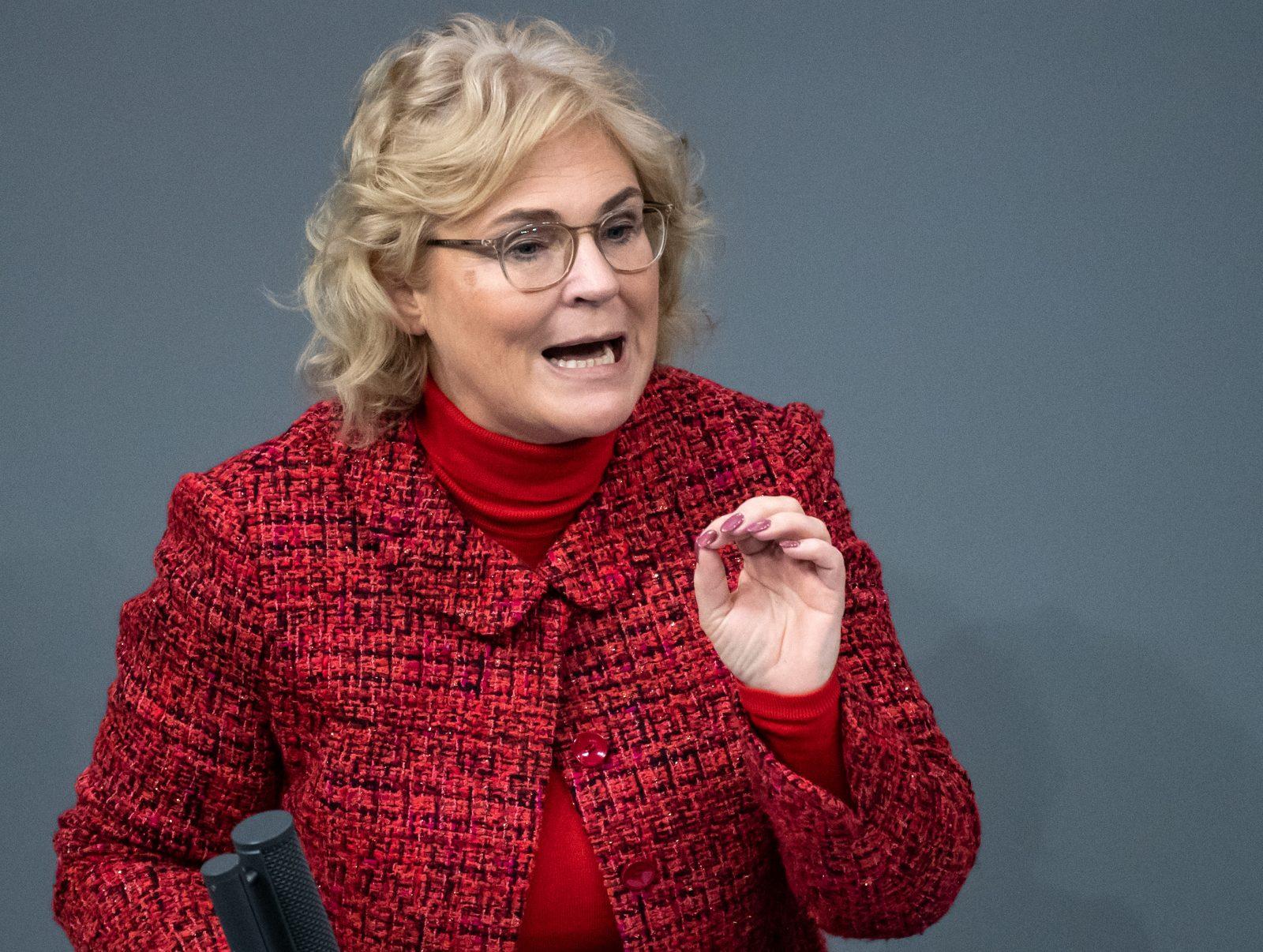 Justizministerin Christine Lambrecht (SPD): Die AfD trage eine Mitschuld an einer Zunahme von Rechtsextremismus in Deutschland