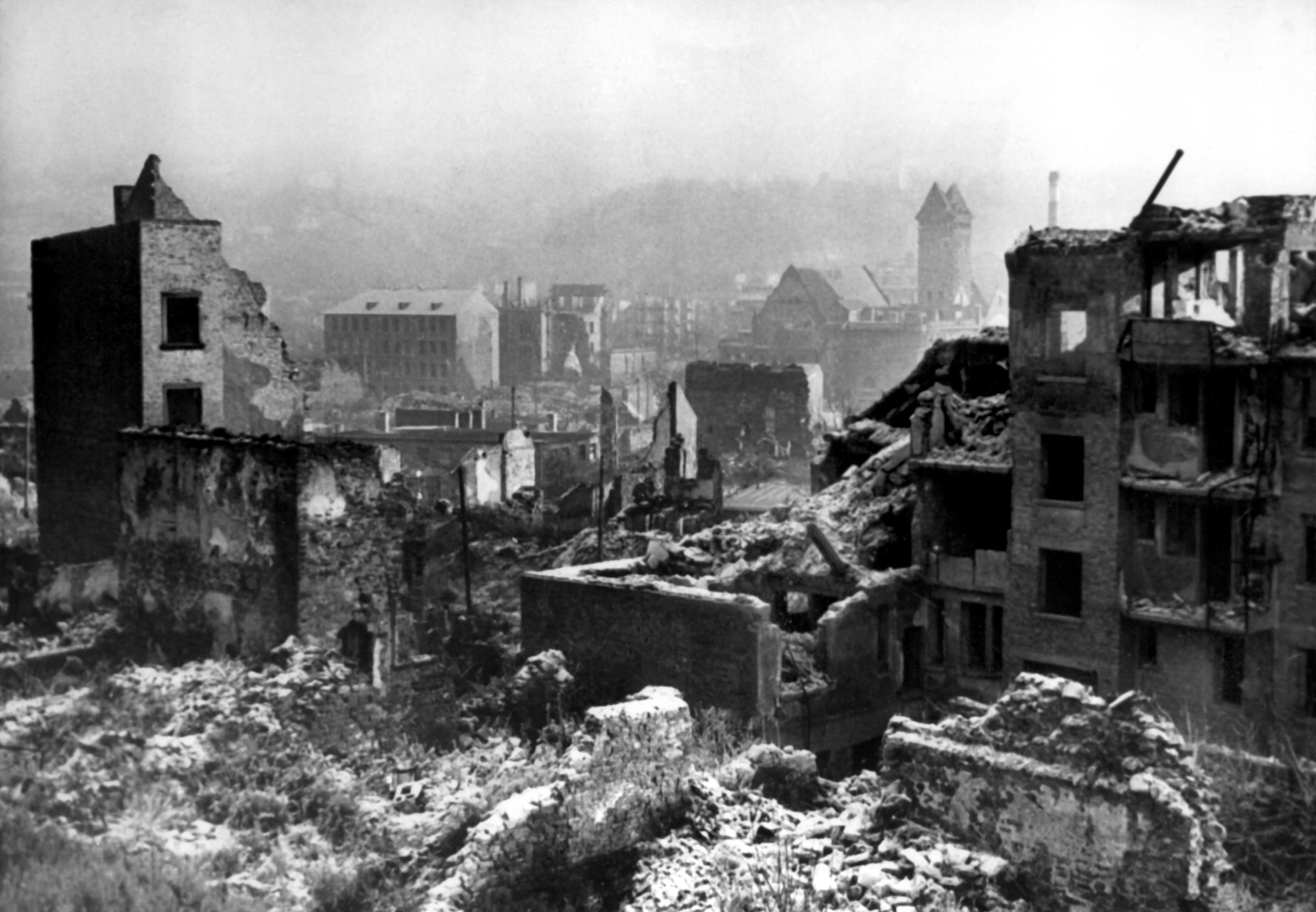Das zerstörte Pforzheim nach dem Bombenangriff Foto: (c) dpa