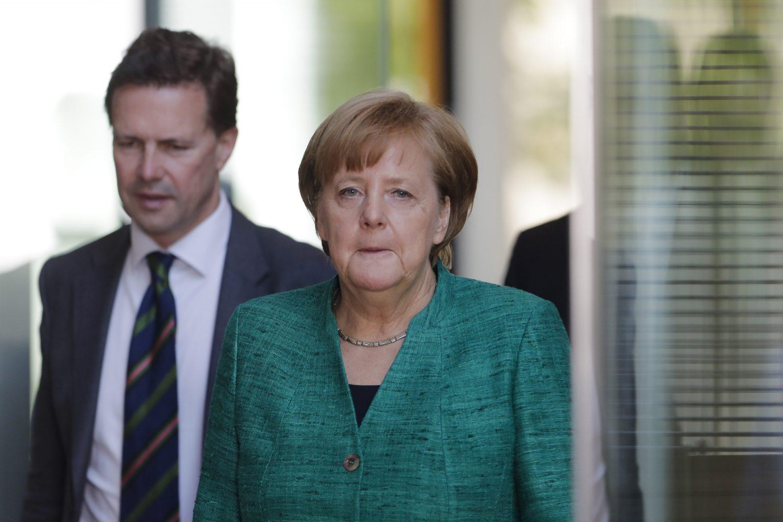 Angela Merkel (CDU) und Steffen Seibert
