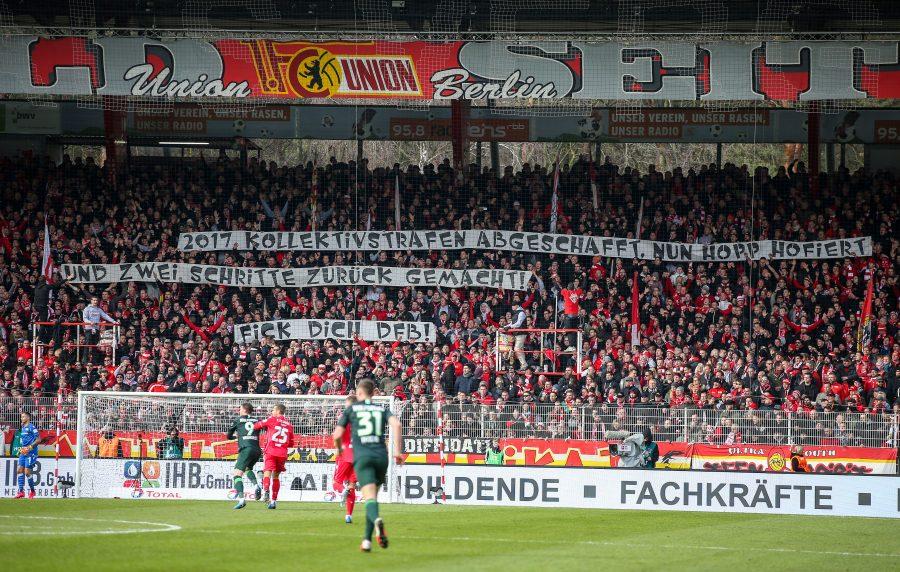 Auch während des Heimspiels von Union Berlin gegen den VfL Wolfsburg zeigten Fans ihre Abneigung gegenüber Hopp und dem Deutschen Fußballbund (DFB) Foto: picture alliance/Andreas Gora/dpa