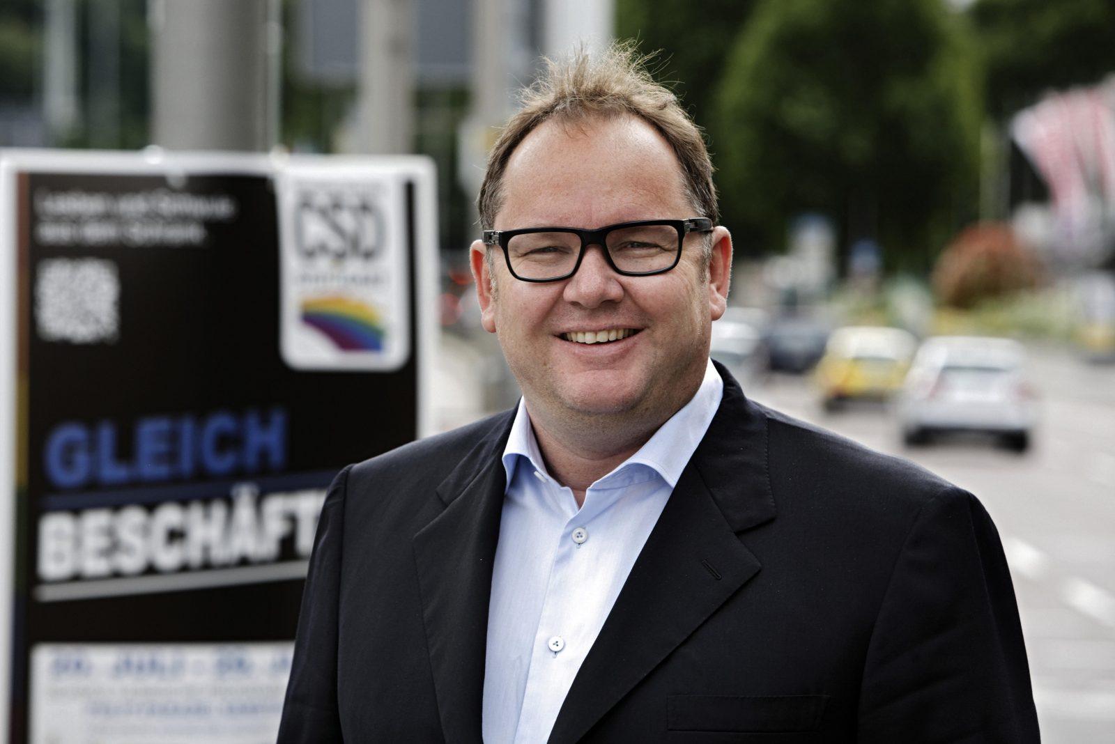 Der homosexuelle Berliner Unternehmer Harald Christ in Stuttgart, Baden-Württemberg, Deutschland, Europa