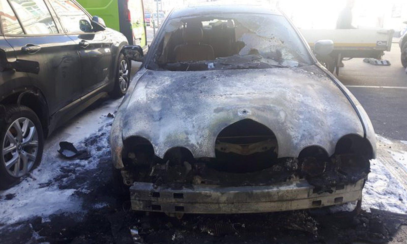 Abgebrannter Wagen von Frank-Christian Hansel