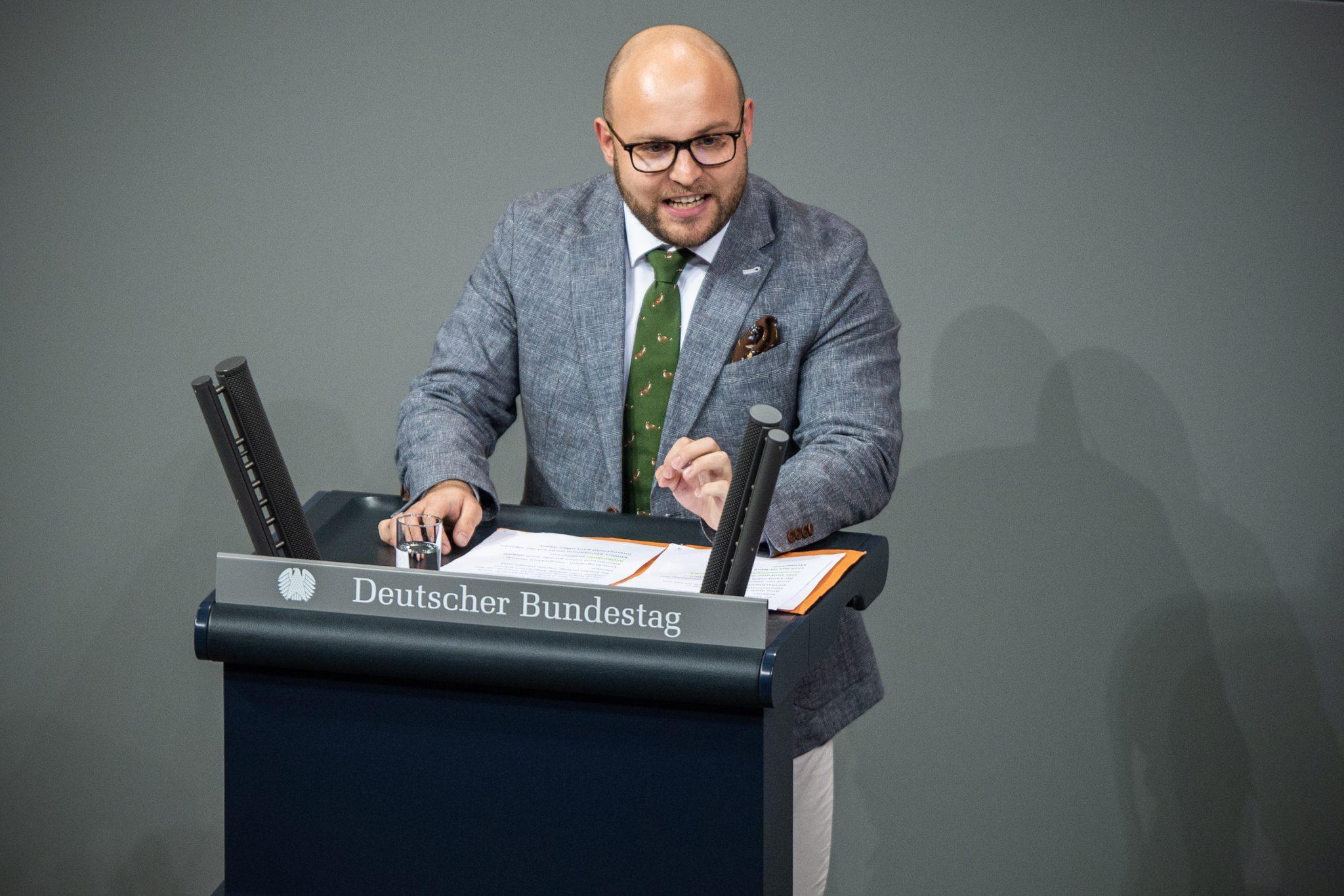 Markus Frohnmaier (AfD) spricht im Bundestag.