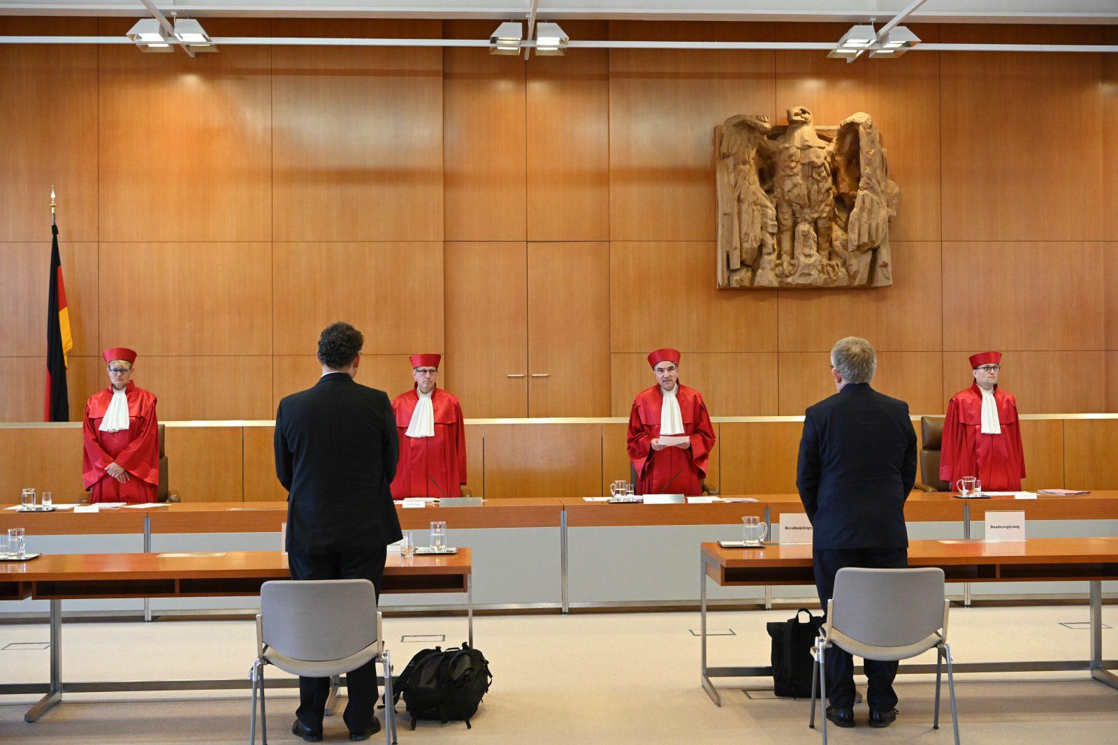 Bundesverfassungsgericht gibt Klage gegen BND-Befugnisse statt.
