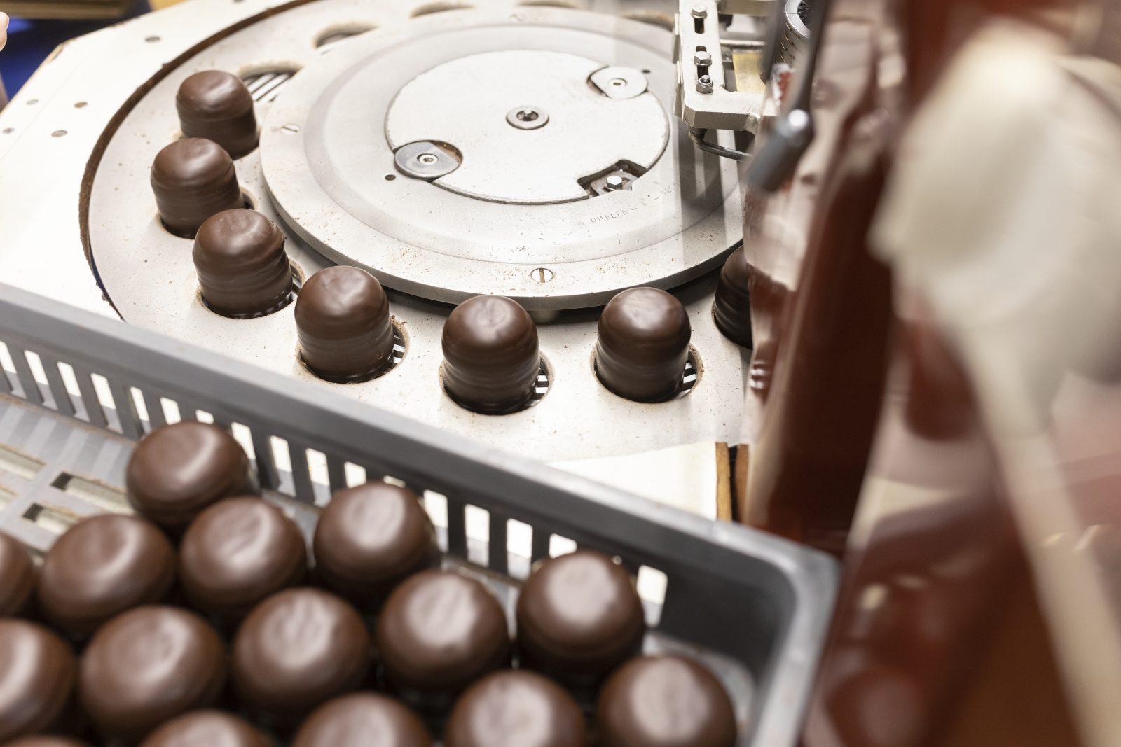 Produktion von Dubler Mohrenköpfen Foto: picture alliance/KEYSTONE