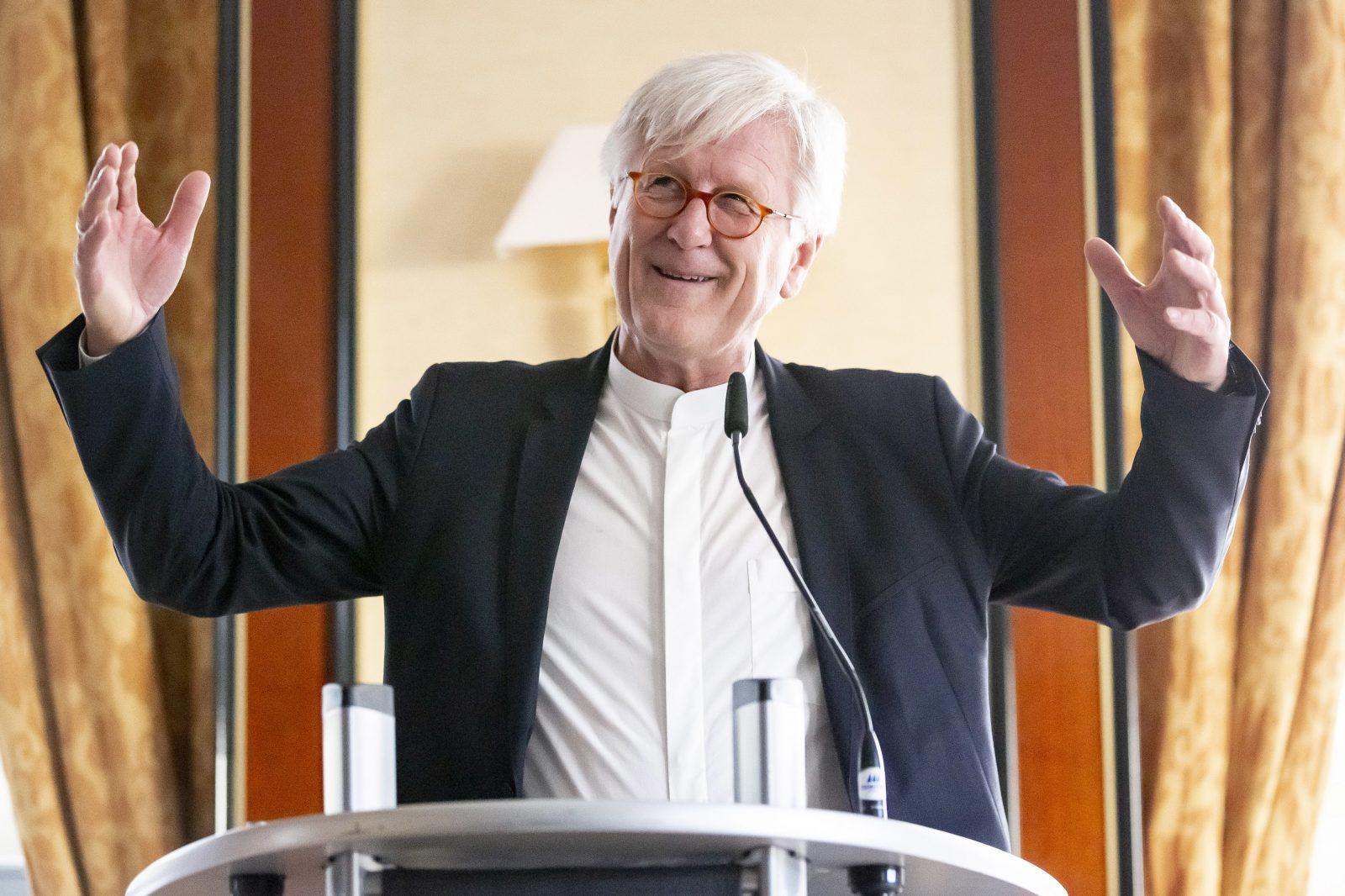 """Der Ratsvorsitzende der Evangelischen Kirche in Deutschland, Heinrich Bedford-Strohm, plädiert für mehr """"europäische Solidarität"""" Foto: picture alliance/Christoph Soeder/dpa"""