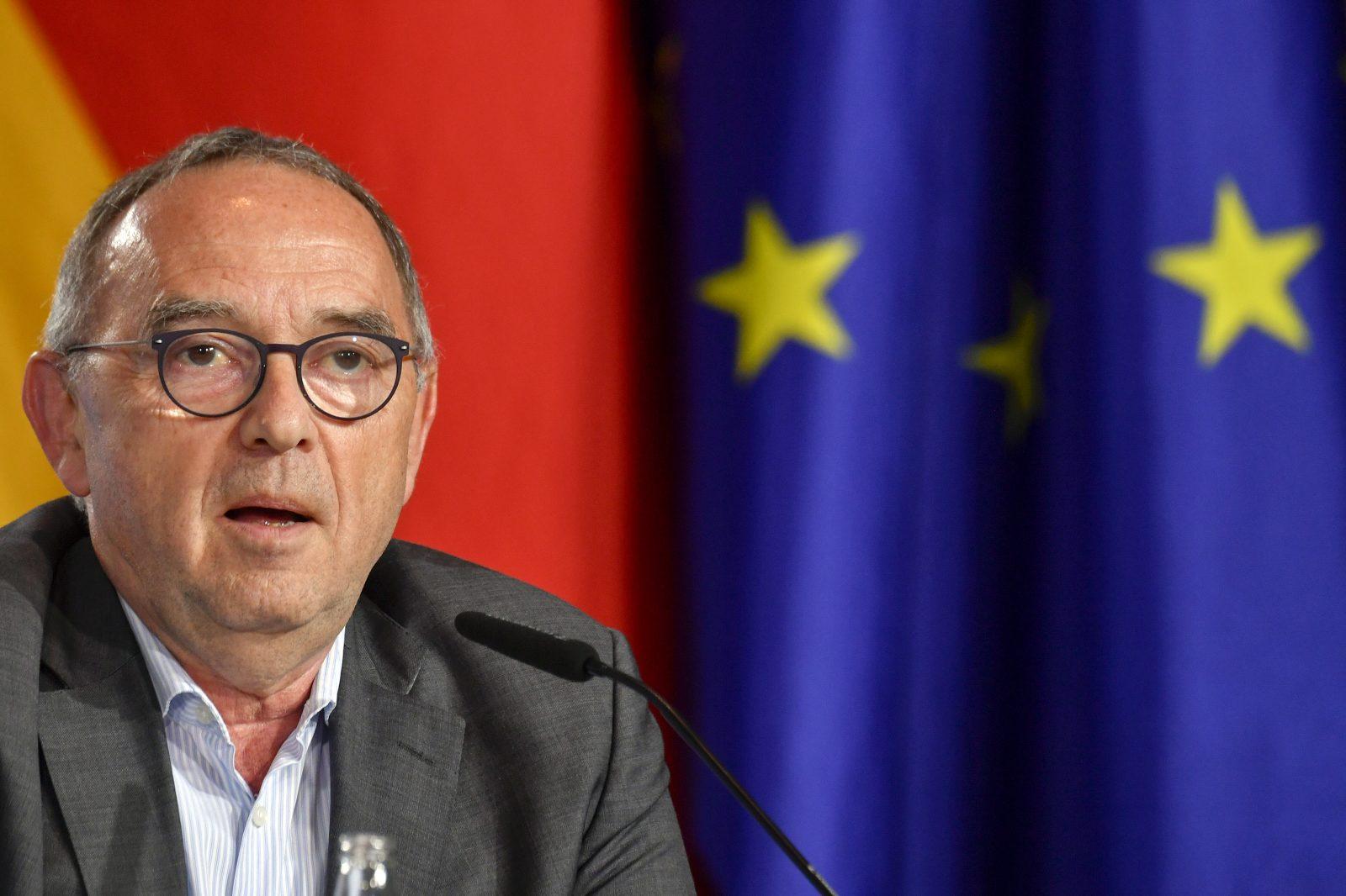 Der SPD-Vorsitzende Norbert Walter-Borjans plädiert für mehr Europa und einen EU-weiten Mindestlohn Foto: picture alliance / AP Images