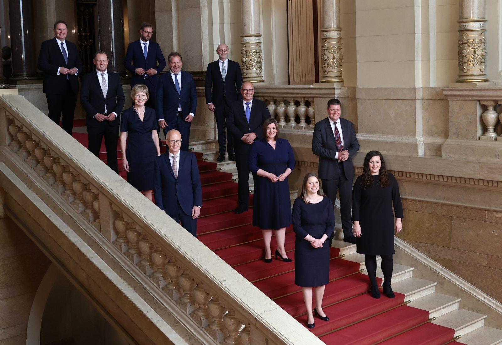 Mitglieder des neuen Hamburger Senats Foto: picture alliance/Christian Charisius/dpa-Pool/dpa