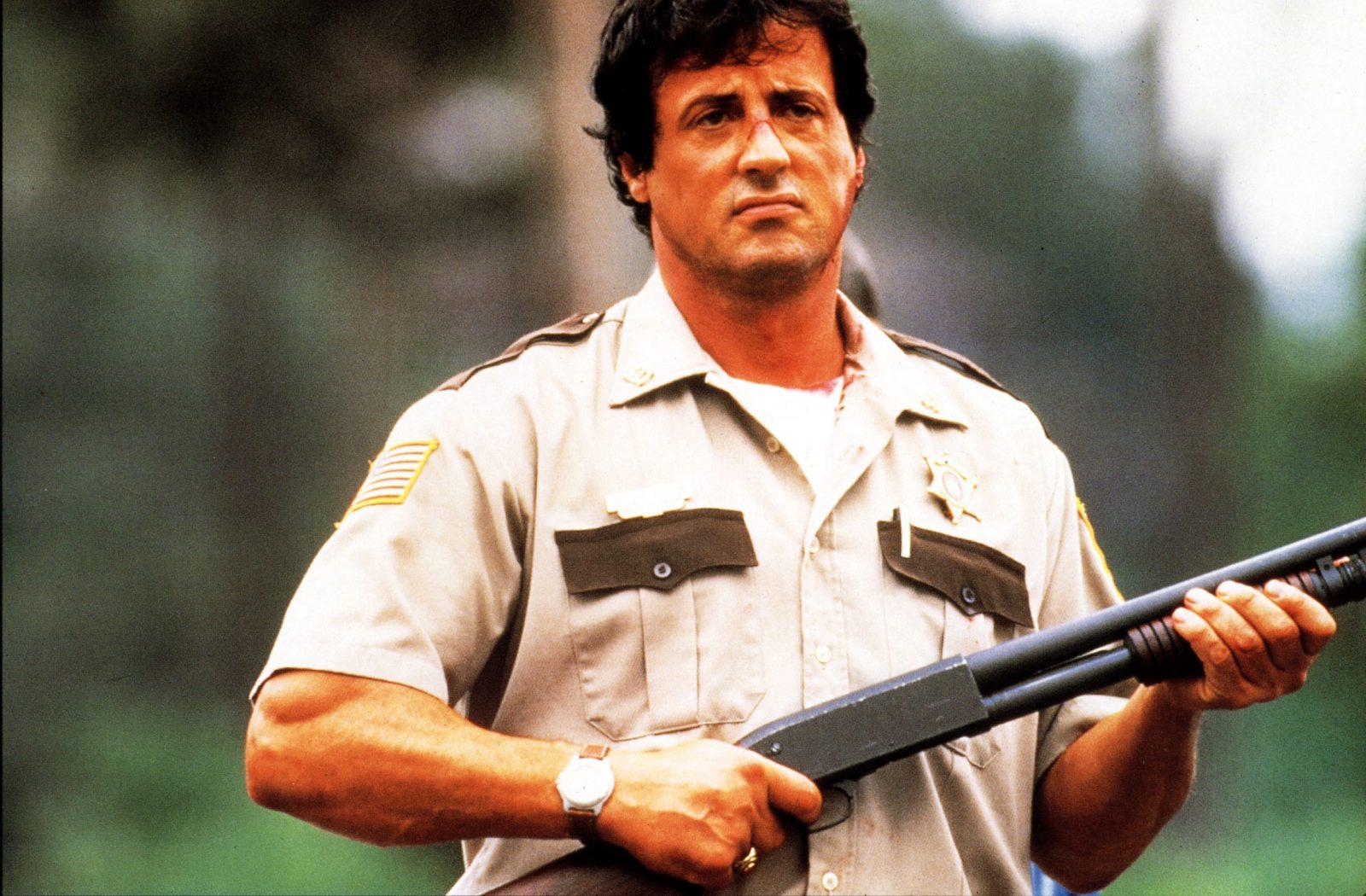"""Sylvester Stallone spielte in """"Copland"""" einen Polizisten, der lange die Augen vor Korruption in den eigenen Reihen verschloß Foto: picture alliance/Mary Evans Picture Library"""