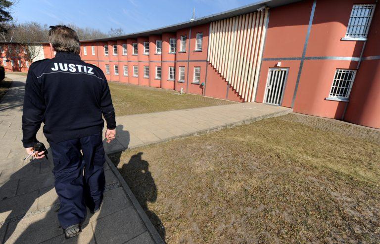 Abschiebehaftanstalt in Lichtenrade Foto: dpa Picture-Alliance / Tim Brakemeier