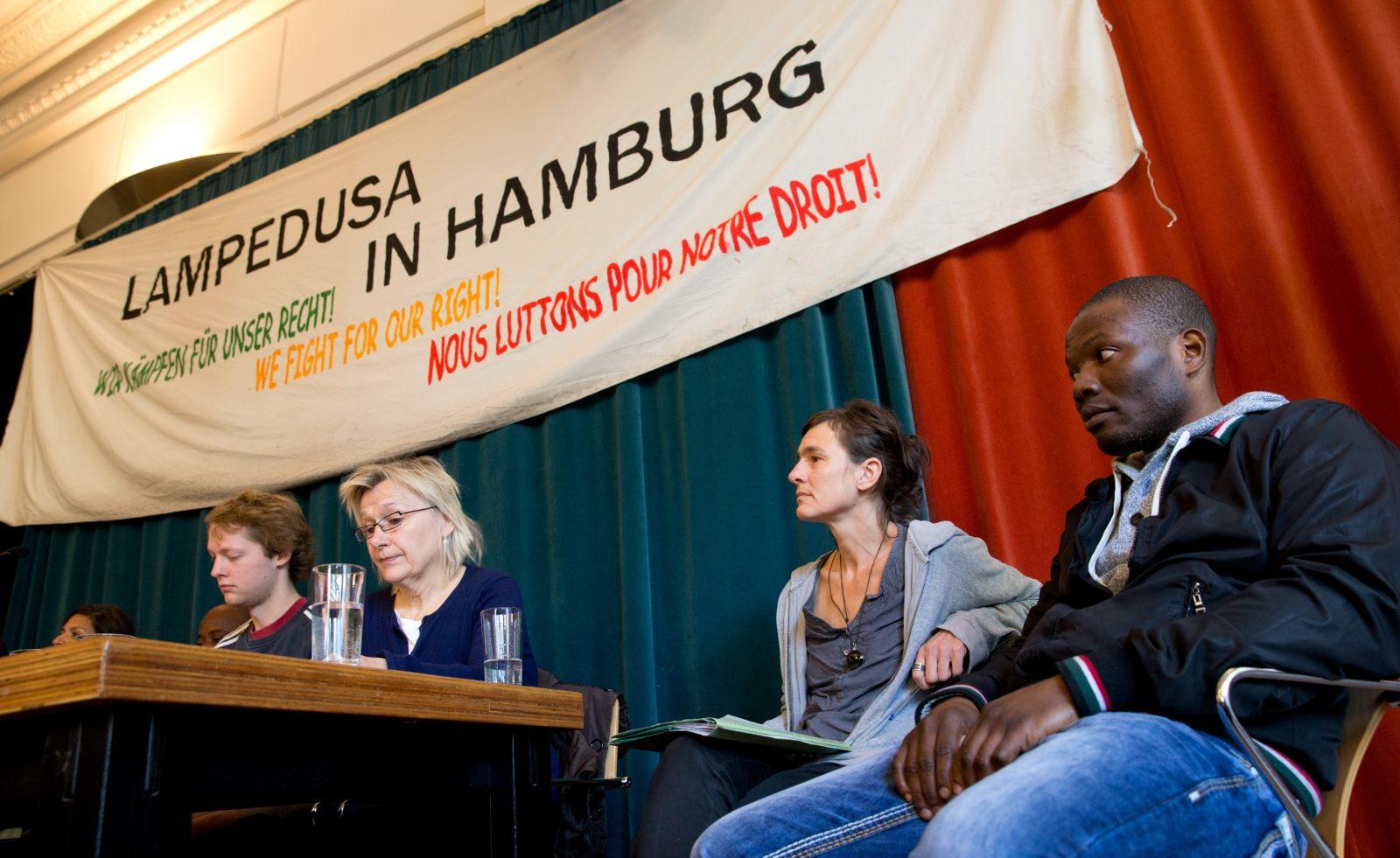 Cornelia Ganten-Lange (2.v.l.) 2013 Foto: dpa
