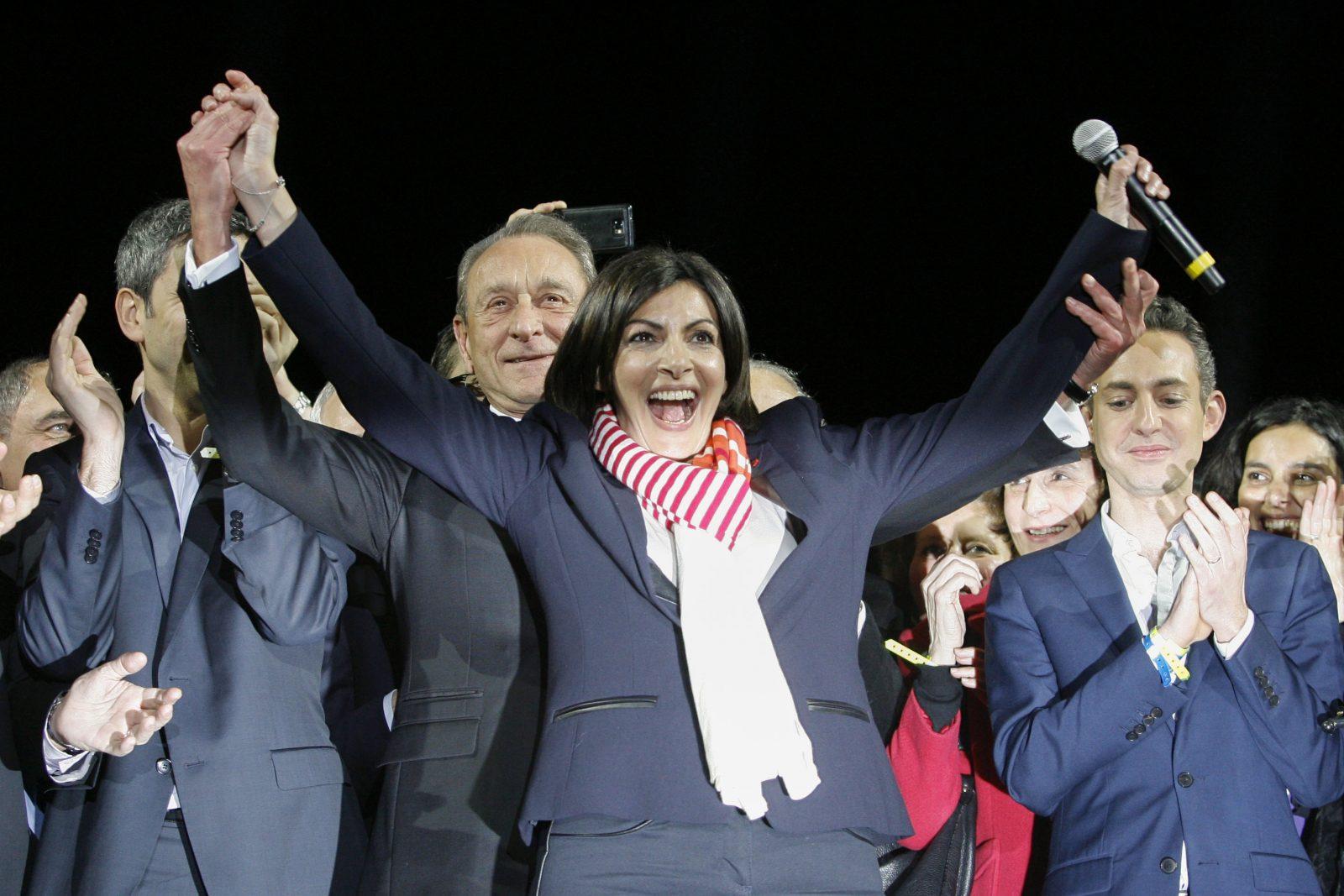 Die Bürgermeisterin von Paris, Anne Hidalgo (Grüne), jubelt über das Ergebnis bei den Kommunalwahlen Foto: picture alliance/CITYPRESS 24