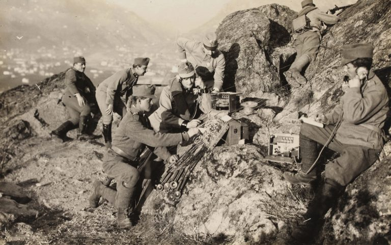 Eine Fernmelde-Kompanie der österreichisch-ungarischen Armee hat an der Südfront gegen Italien seine Stellung bezogen Foto: picture alliance/IMAGNO