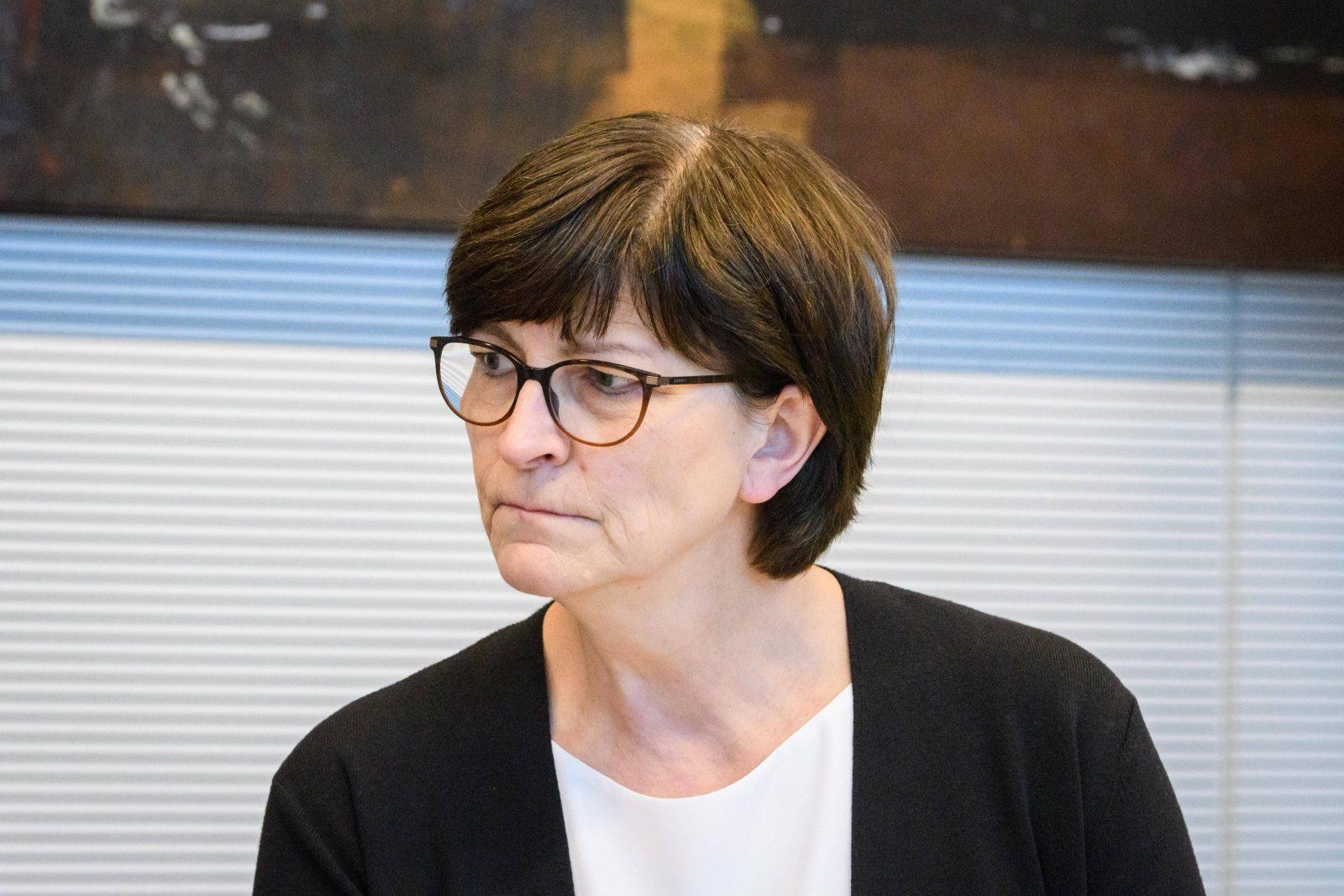 SPD-Chefin Saskia Esken Foto: imago images / Christian Spicker