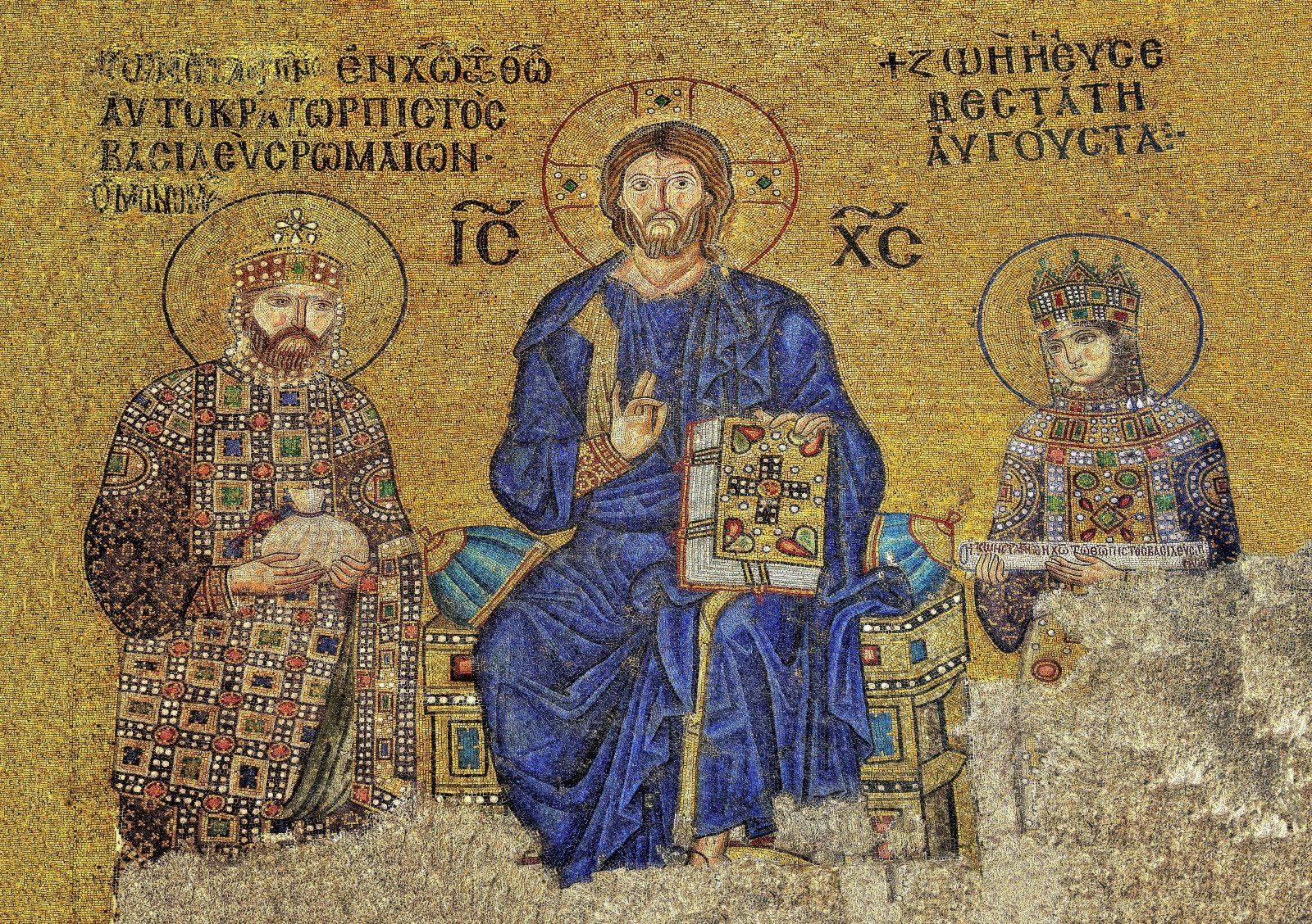 Das Mosaik aus der Hagia Sophia zeigt Kaiserin Zoe (r.) zusammen mit Christus (m.) und ihrem Mann, Kaiser Konstantin IX. (l.) Foto: picture alliance/imageBROKER